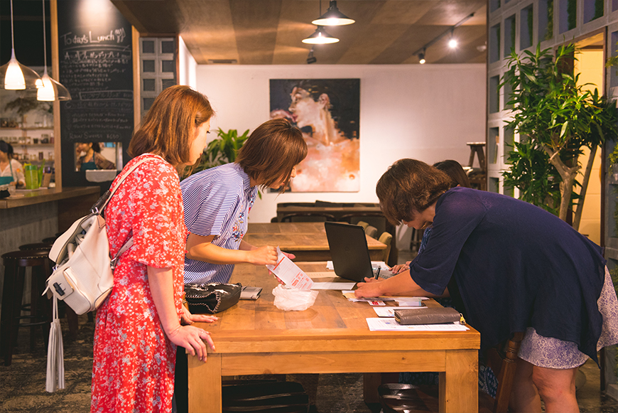 沖縄のInstagramインフルエンサーとの撮影&交流会(ランチ付き)の受付をスタート
