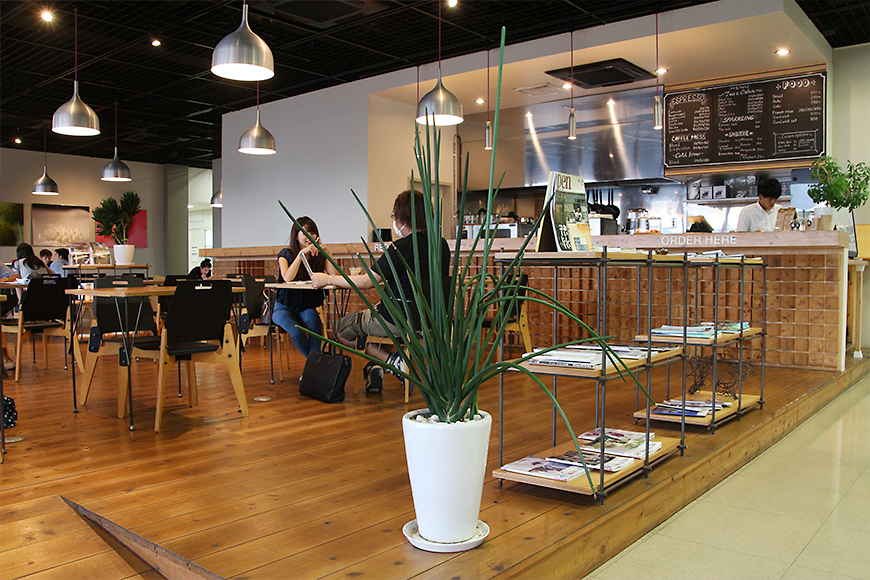 Gwave Cafe(ジーウェーブカフェ)の店内