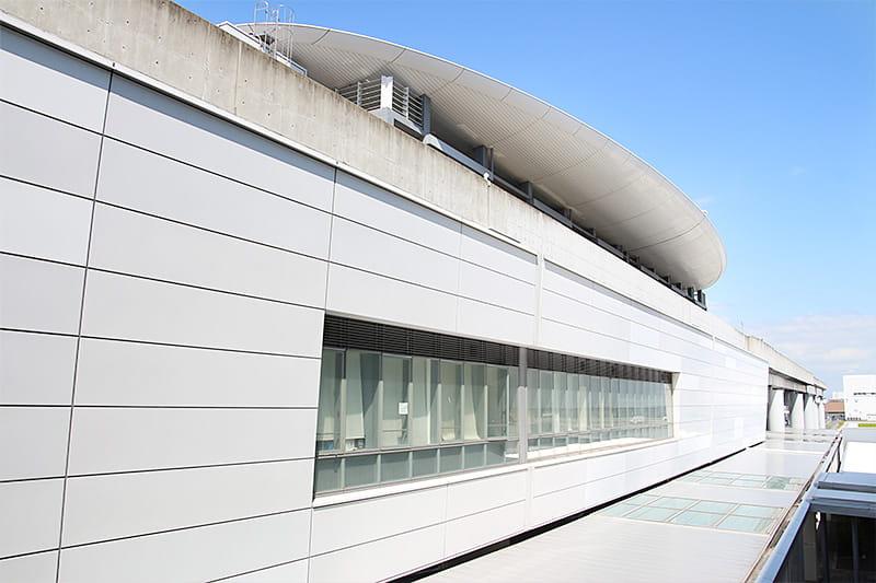 神戸空大いに楽しむことができ港のポートライナー「神戸空港駅」