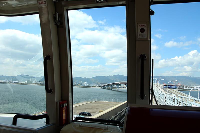 神戸空港と三宮を繫ぐポートライナー
