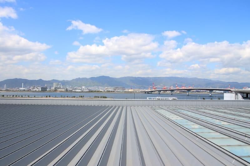 神戸空港 海と神戸市内の風景