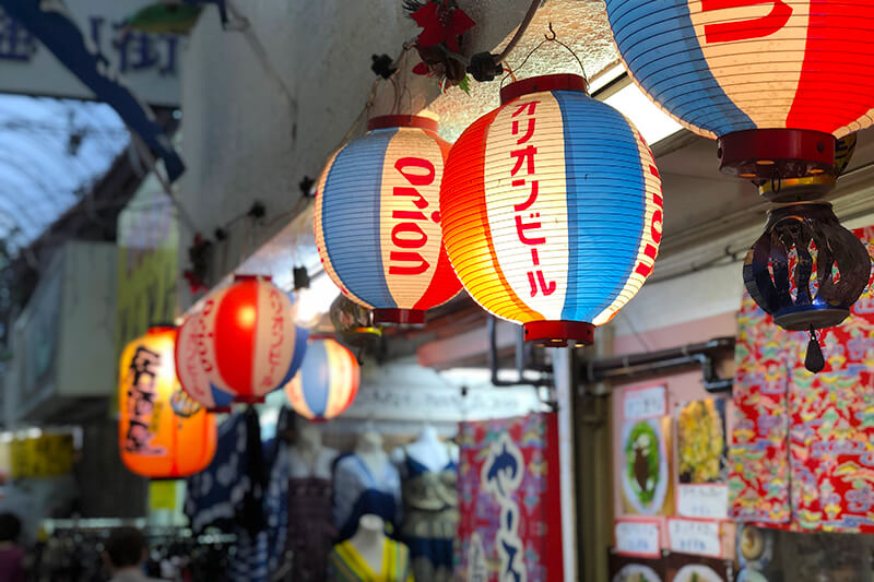沖縄のライターコミュニティ「OKINAWA GRIT(オキナワグリット)」那覇の町並みフォトウォーク(第一牧志公設市場)