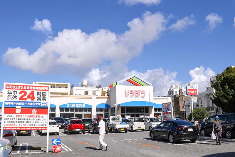 沖縄都市モノレール「ゆいレール」安里駅