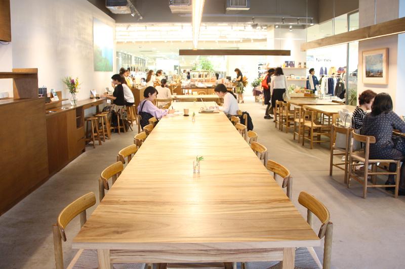 沖縄の電源カフェ/樂園カフェ