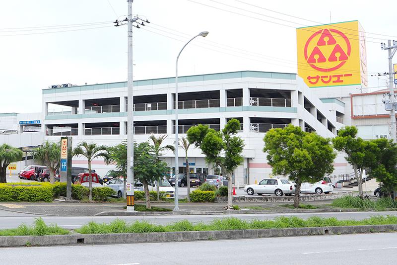 沖縄県うるま市の暮らし うるま市具志川のショッピングセンター