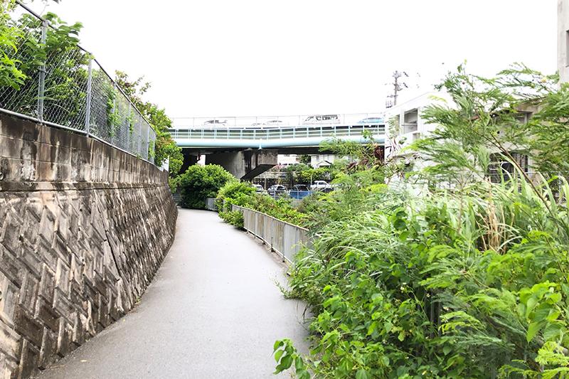 沖縄県浦添市の暮らし 浦添市の住宅街